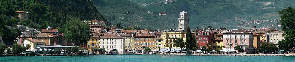 Sol, vand, bjerge, strand og smukke byer - cykelferie ved Gardasøen i Italien