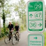 Holland-cykelskilt-med-cyklister400x400px